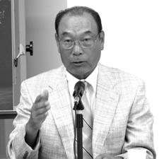 「いろんなコースに育ててもらった」と話す金井精一プロ