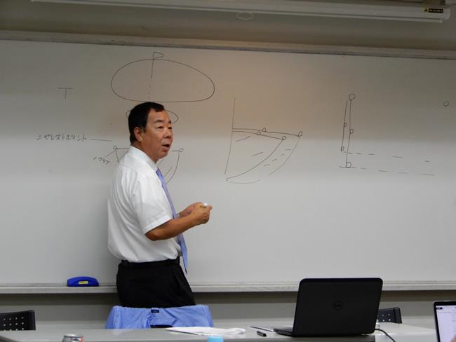 日本プロゴルフ協会の専門競技委員の飯田雅樹氏